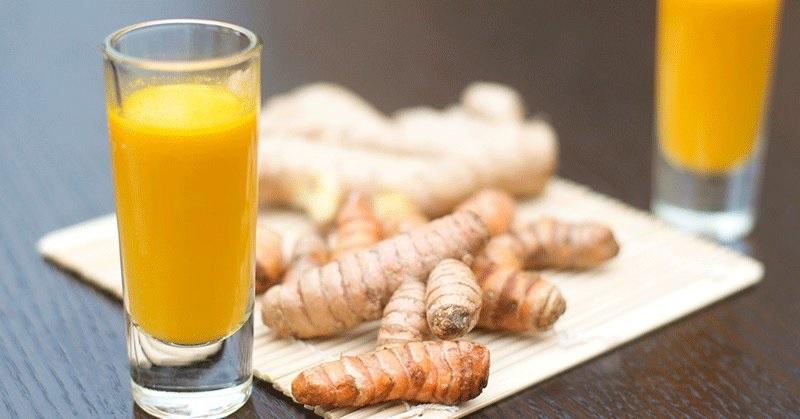 Uống nước ép nghệ với mật ong, dưỡng da mặt đẹp khỏe mạnh từ bên trong
