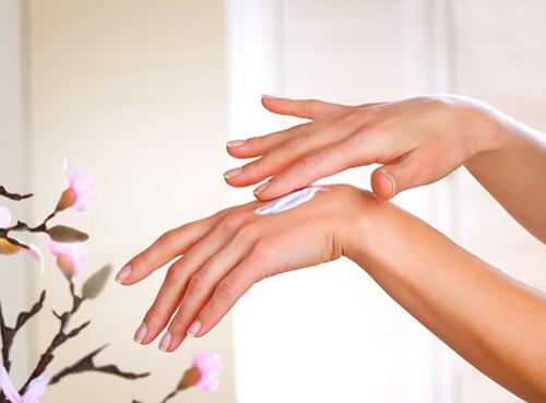 4 mẹo chăm sóc da tay hữu ích vào mùa đông - Ảnh 2