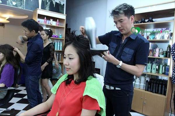 Chỉ bạn cách chia tóc để cắt cho nữ sao cho đẹp nhất - Ảnh 2