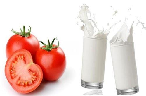Sữa tươi và cà chua giúp nuôi dưỡng làn da trắng sáng hơn cho mẹ bầu