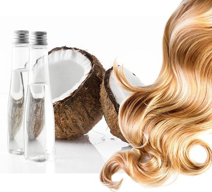 Nên thay khăn nóng hai lần để phát huy hiệu quả hấp tóc bằng dầu dừa tại nhà