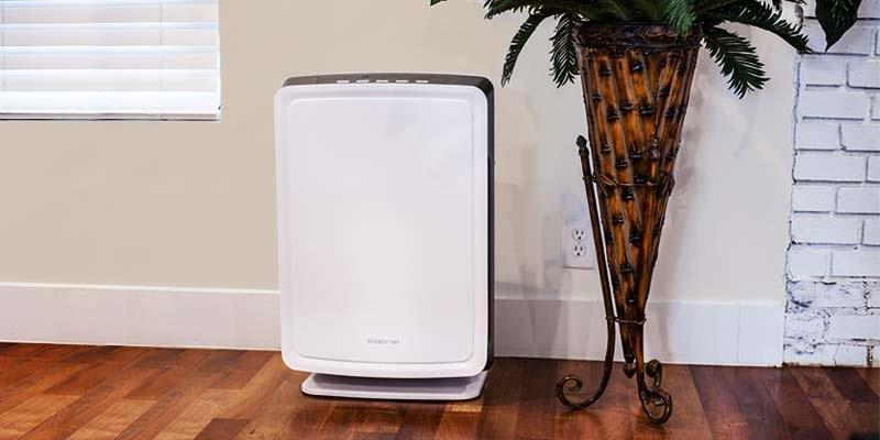 Sử dụng máy lọc khí để khử mùi thuốc lá trong phòng, bảo vệ sức khỏe mọi người