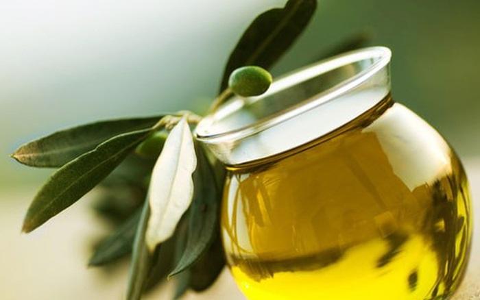 Da căng mịn, giảm nếp nhăn với cách làm đẹp da bằng dầu oliu