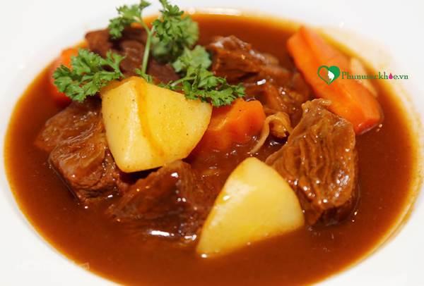 Khám phá cách làm món bò sốt vang hấp dẫn thơm ngon - Ảnh 3