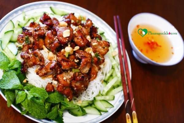 Cách làm món bún thịt nướng đơn giản mà thơm ngon miễn chê - Ảnh 3