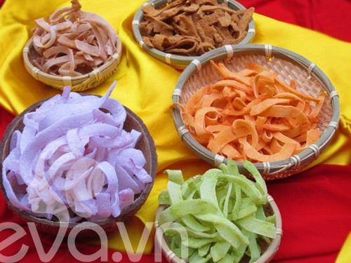 Cách làm mứt dừa ngũ sắc từ các loại rau củ quả