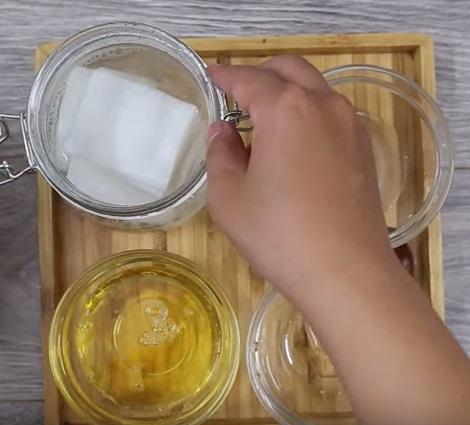 Cách làm khăn ướt vừa giúp tẩy trang, lại dưỡng da trắng mịn