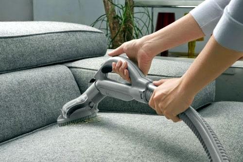 Mẹo làm sạch đơn giản biến ghế sofa cũ thành mới trong '1 nốt nhạc' - Ảnh 3