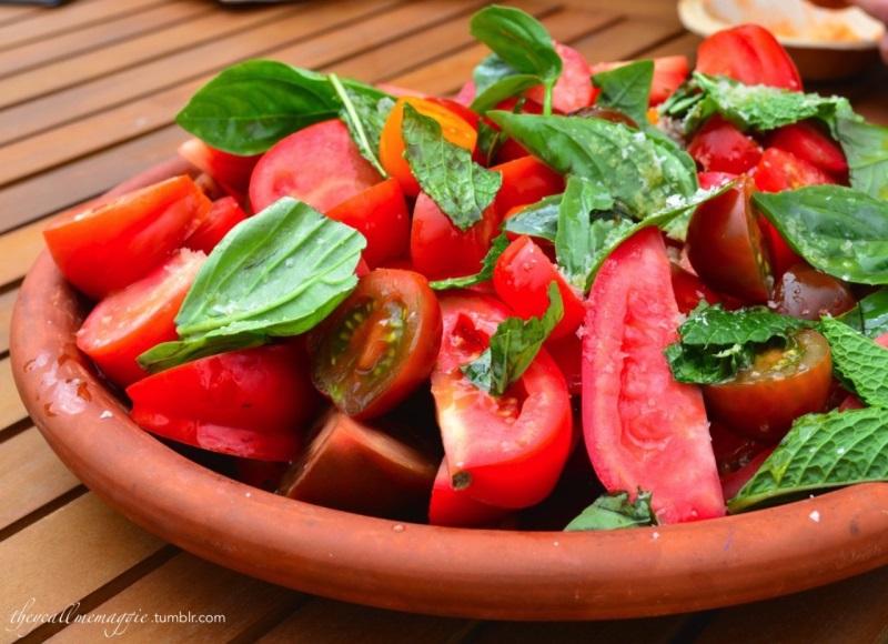 7 cách làm trắng da bằng cà chua