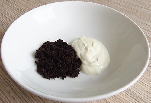 Cách làm trắng da tại nhà bằng cà phê và sữa chua