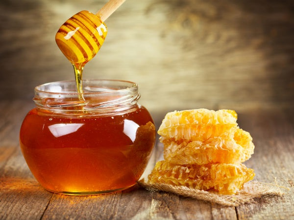 Cách làm trắng da mặt bằng dầu dừa và mật ong