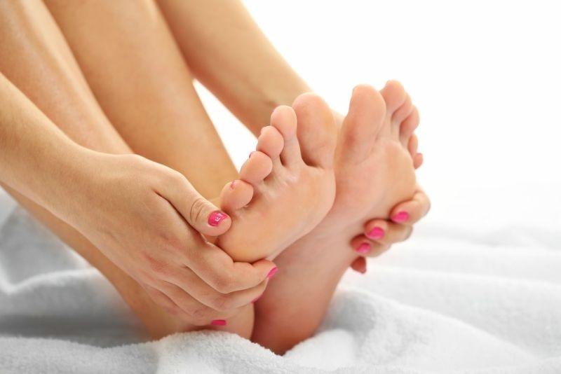 Cách làm trắng da tay và chân bằng sữa tươi