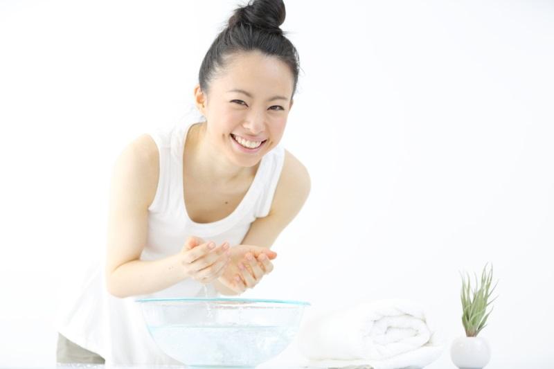 Cách rửa mặt làm trắng da đơn giản bằng chanh