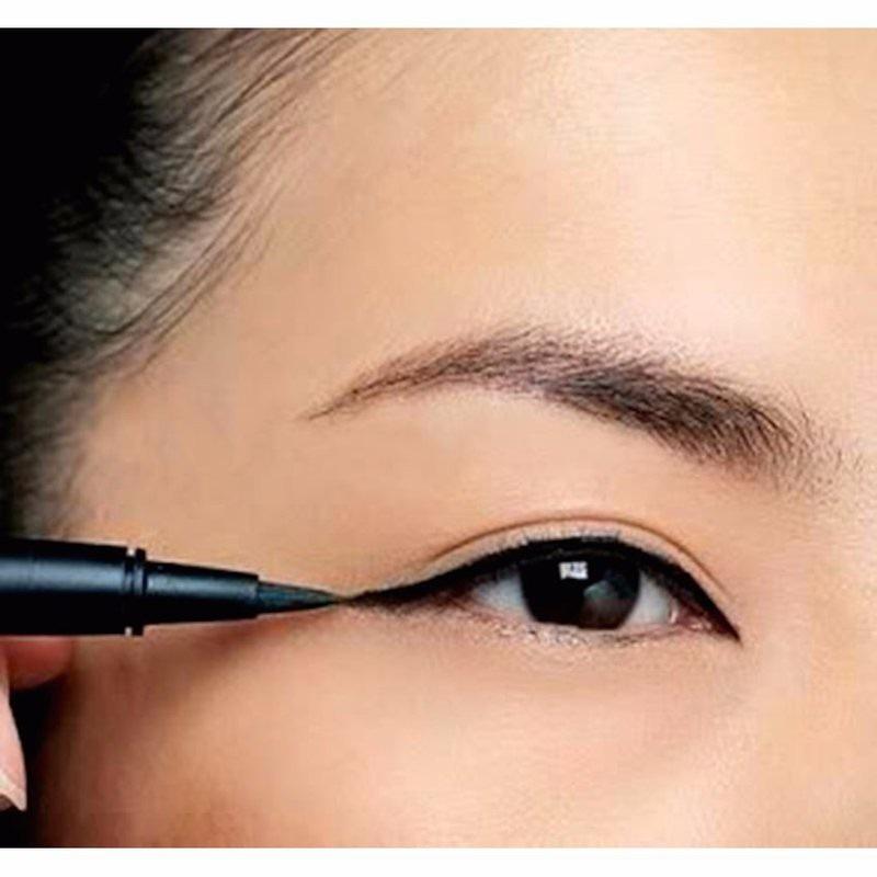 Vẽ mắt nước tạo điểm nhấn cho đôi mắt.