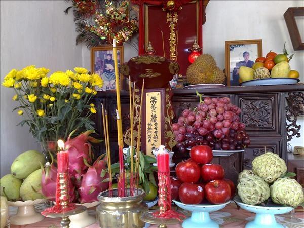 Khi trang trí bàn thờ ngày Tết phải tuân theo một số nguyên tắc nhất định