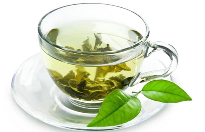 Dùng trà xanh trị mụn đầu đen ở mũi tận gốc