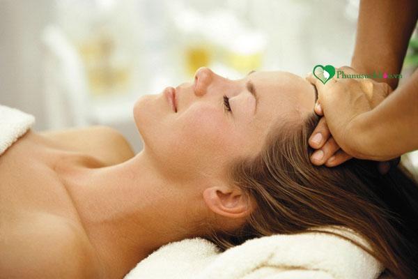 Trị rụng tóc đơn giản bằng việc massage da đầu