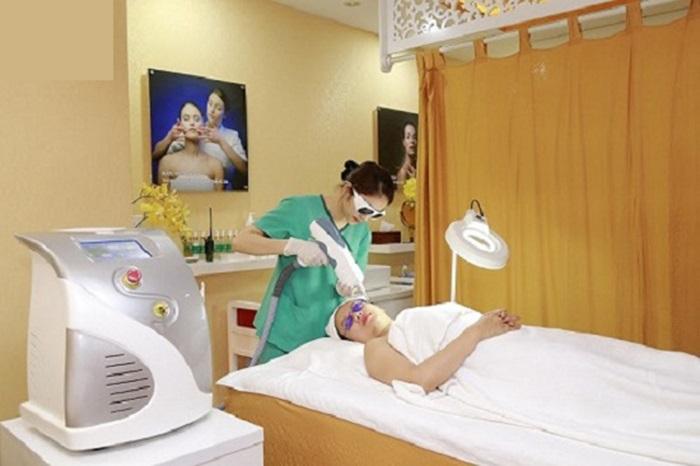 Chọn cơ sở điều trị uy tín để trị sẹo thâm sau tai nạn đạt hiệu quả cao.