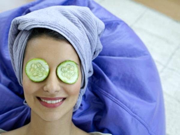 Dưa leo là nguyên liệu không chỉ làm đẹp da mà còn dùng để trị quầng thâm hữu hiệu - Ảnh: Internet