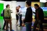 Hậu trường ngày làm việc cuối cùng của BTV Trúc Mai tại VTV24 gây xúc động