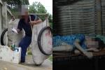 Xót xa cảnh cụ già dãi nắng dầm mưa nhặt rác nuôi con