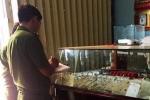 Gã thợ hồ cuỗm nhiều nữ trang của chủ tiệm vàng