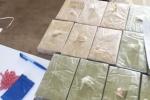 Khởi tố giáo viên vận chuyển 16 bánh heroin