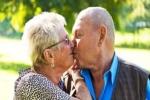 Tình dục sung mãn giúp người già minh mẫn hơn?