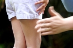 Mẹ cẩn thận với tình trạng người giúp việc hành hạ con