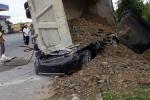 Xe tải đè nát xe con ở Nam Định, một người tử vong