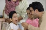 Bí mật nuôi con khỏe, dạy con ngoan của các bà mẹ trên khắp thế giới