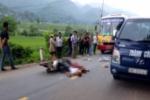 Xe máy đối đầu xe buýt, một người tử vong