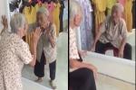 Xin vào shop quần áo để tìm bạn thân trong gương: Câu nói của cụ bà khiến nhiều người giật mình, bật khóc
