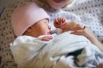 Cách chăm sóc trẻ sinh non chuẩn nhất để bé nhanh khỏe, tăng cân tốt