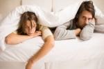 Nên làm gì khi một ngày chồng bỗng dưng