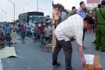 Người dân quyên góp tiền giúp gia đình anh thợ hồ 28 tuổi tử vong do <a target='_blank' data-cke-saved-href='http://www.phunusuckhoe.vn/tag/tai-nan-giao-thong' href='http://www.phunusuckhoe.vn/tag/tai-nan-giao-thong'>tai nạn giao thông</a> lo hậu sự