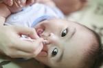 Cách trị nghẹt mũi cho trẻ sơ sinh giúp bé dễ thở, ăn ngon ngủ tốt