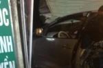 Bất ngờ nguyên nhân lái xe ô tô đâm điên loạn vào nhà dân ở Hà Nội