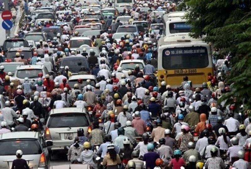 Cấm xe máy ở các thành phố lớn: Nên hay không? - Ảnh 1