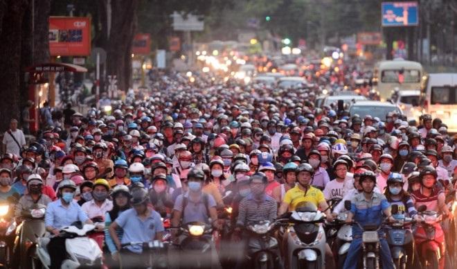 Cấm xe máy tại TP.HCM: dễ hay khó?
