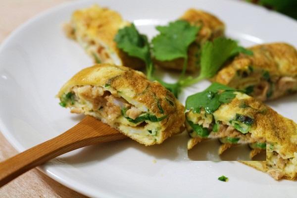 Trứng cuộn cá ngừ chiên đơn giản, ngon tuyệt - Ảnh 2
