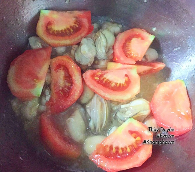 Canh hàu sữa nấu chua vừa ngon vừa bổ chồng nào chả mê - Ảnh 3