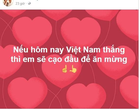 Nam thanh niên mặc váy đi làm, ăn mừng U23 Việt Nam chiến thắng - Ảnh 5