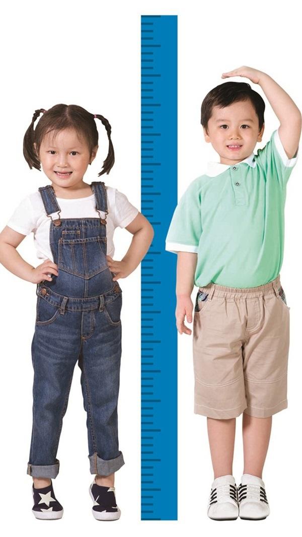 Bác sĩ dinh dưỡng chỉ rõ yếu tố khiến trẻ thấp lùn và cách tăng chiều cao tốt nhất - Ảnh 2