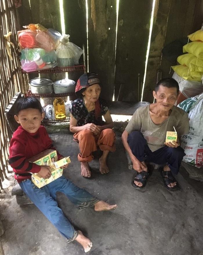 Cậu bé có mẹ bị lừa bán sang Trung Quốc, bố biệt tích 6 năm: Không còn ăn hạt mít thay cơm, sắp có nhà mới - Ảnh 3