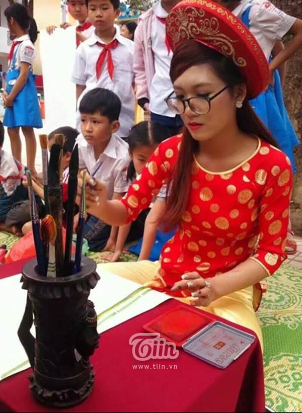 Xuất hiện cô đồ xinh xắn, cho chữ thư pháp tại Bắc Giang - Ảnh 8