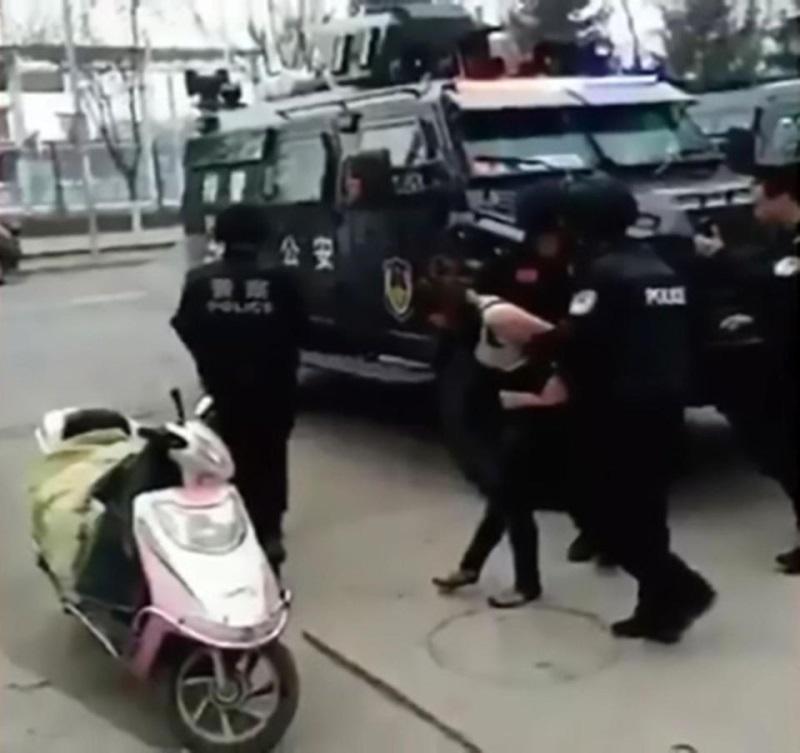 Xót xa cậu bé hai tuổi bị mẹ chặt lìa chân vì nguyên nhân không ai ngờ tới - Ảnh 2