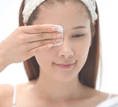 Làm sạch da là tiền đề chăm sóc da mặt đẹp tự nhiên
