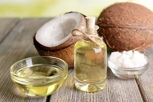 Dầu dừa giúp chăm sóc da mặt sau sinh công hiệu