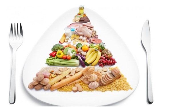 Ăn uống hợp lý giúp dưỡng da sau sinh từ bên trong